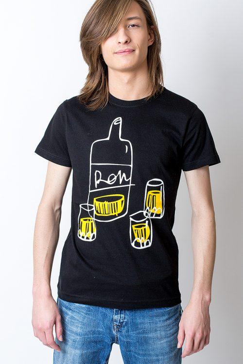 model tshirt