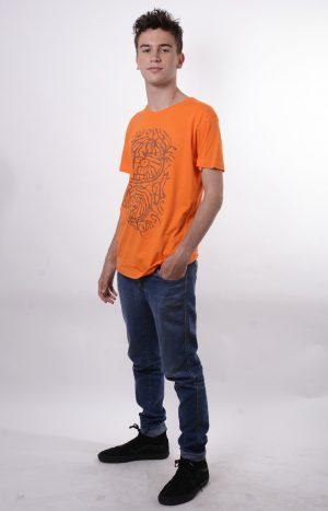 model orange