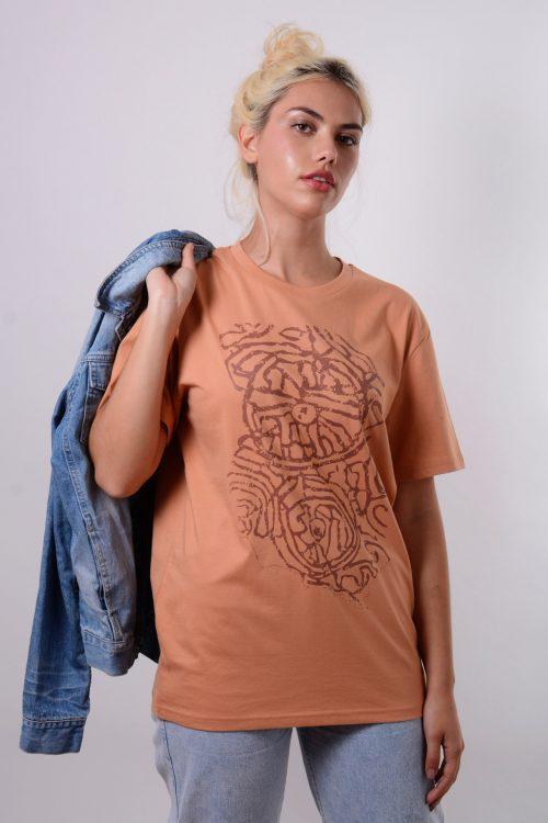 camiseta petroglifo